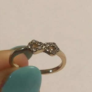 Vintage gold bow w/ crystals ring
